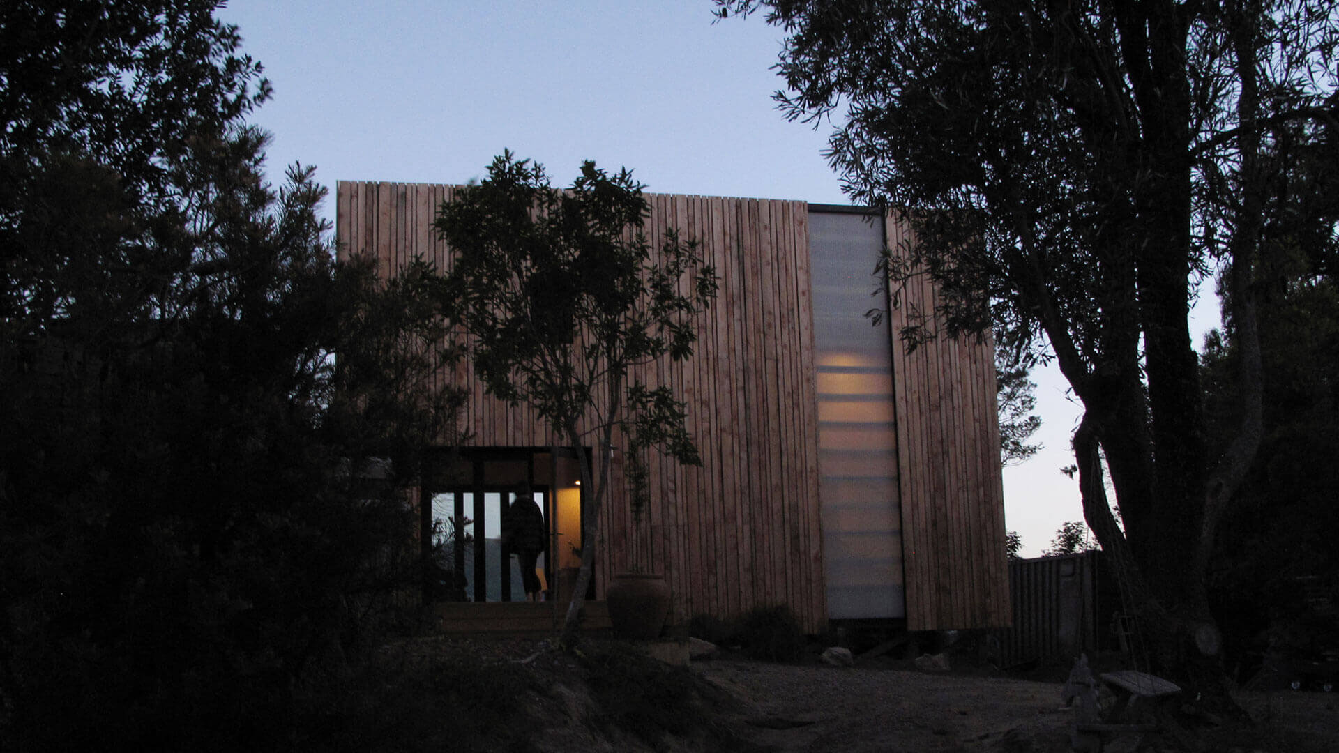 Warrander_Studio_Exterior_Sunset_02_2014_Web